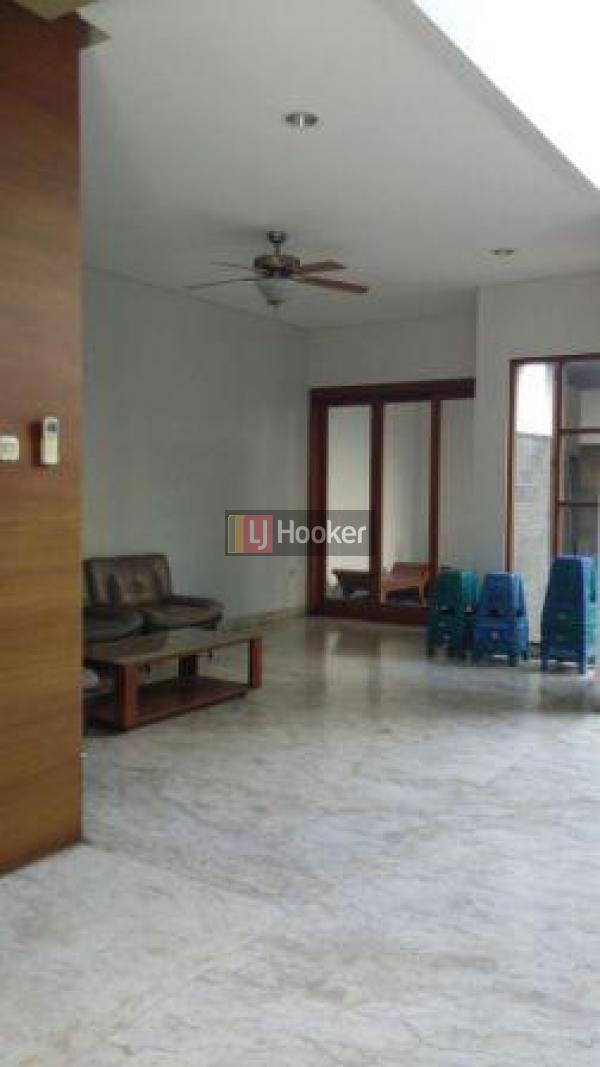 disewakan rumah disewakan janur kuning lj hooker indonesia