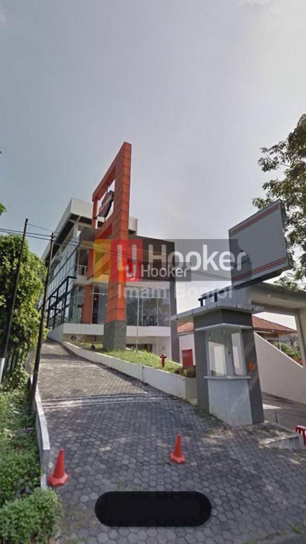 Gedung 4 Lantai Siap Pakai di Jalan Protokol Semarang
