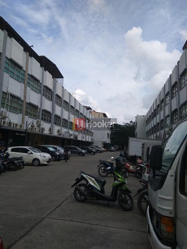 Ruko Strategis Cocok untuk Usaha, Jakarta Timur