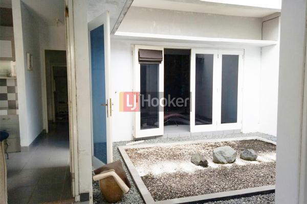 Bukit Indah Sukajadi Rumah Dua Lantai Furnished