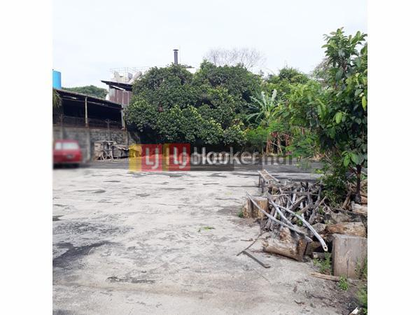 Gudang Lama di Kawasan Industri Wijaya Kusuma