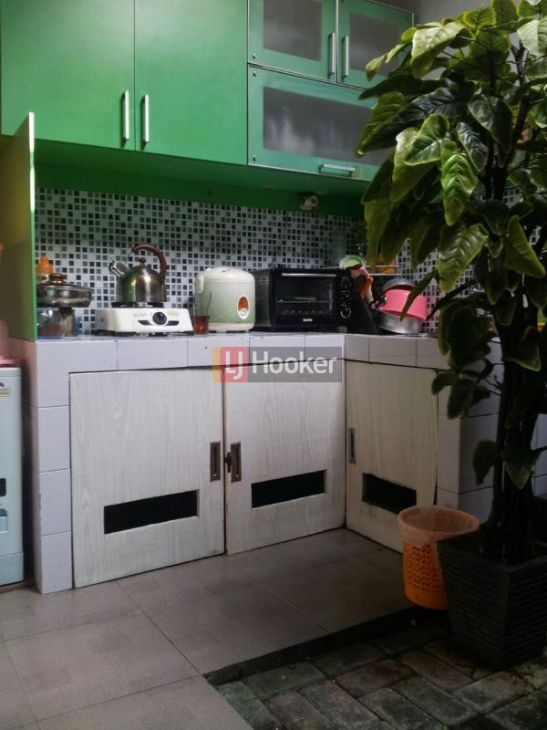 rumah di komplek Satya Residence