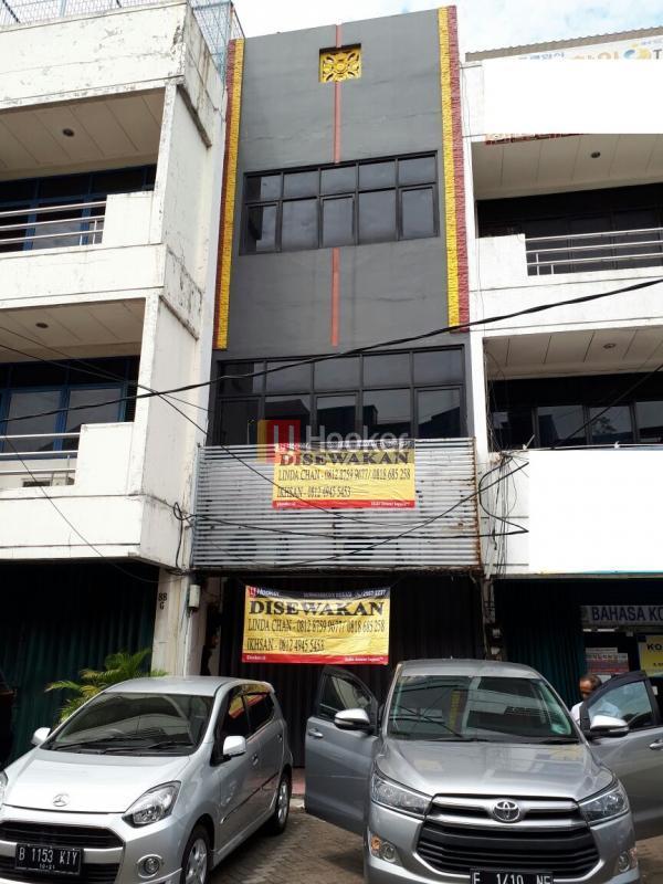 Ruko Wolter Monginsidi Jakarta Selatan