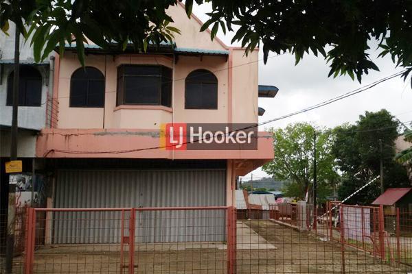 Ruko Hook 2 Lantai Ada Lahan Parkir Di Tiban Garden.