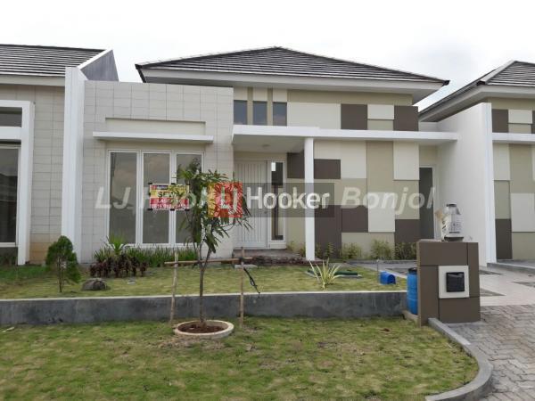 Rumah modern minimalis 1 lantai siap huni di cluster Rafflesia Graha Padma, semarang barat