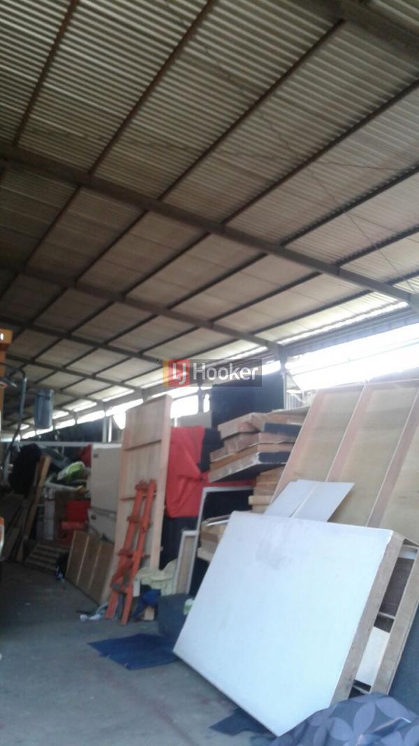 Dijual gudang + tanah 1665 M radin inten duren sawit