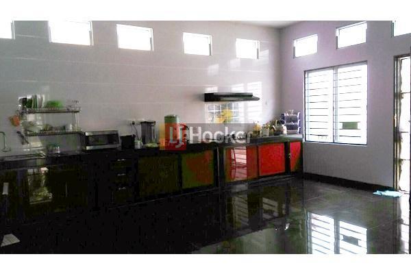 Rumah Furnished 2 Lantai Di Costarica