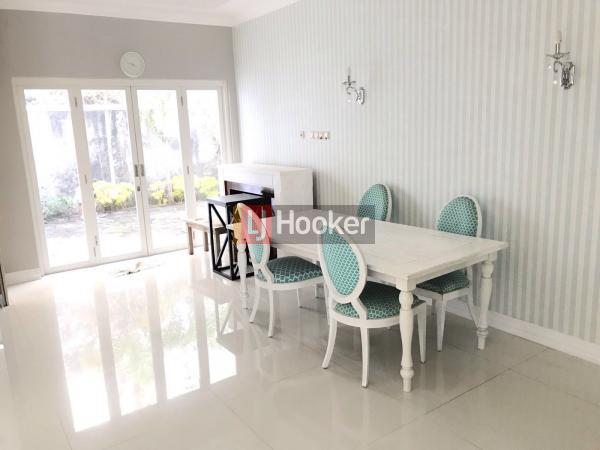 Rumah Modern Minimalis Siap Huni Full Furnished di Graha Candi Golf Semarang