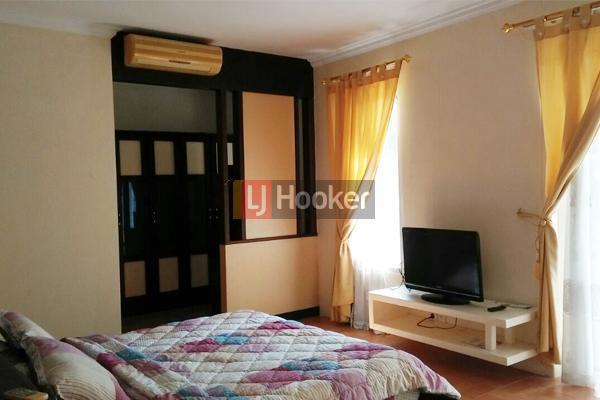 Rumah Furnished 2 Lantai Di Villa Panbil Residence
