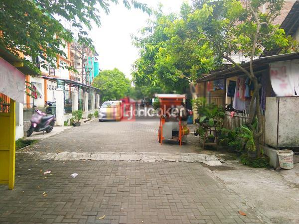 Rumah di Menoreh Tengah Semarang