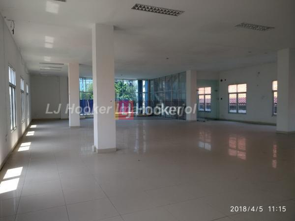 Gedung siap pakai dengan luas tanah 979 m2 Pemuda Semarang - 2561