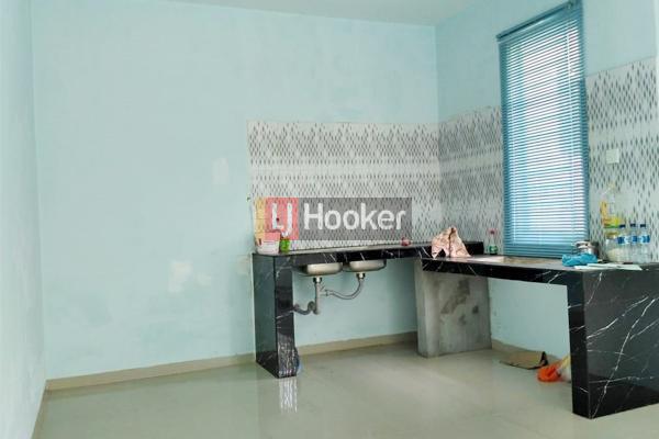 Rumah Hook 2 Lantai Di Taman Golf Residence 1.