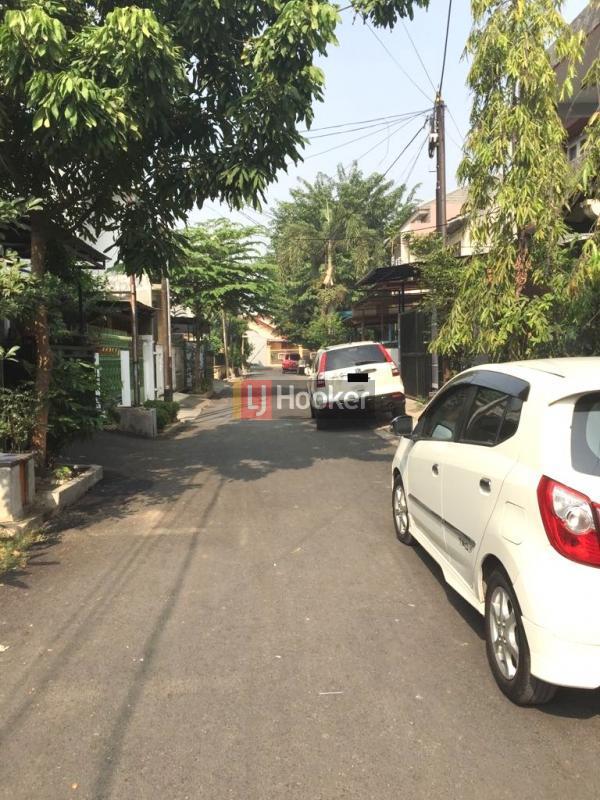 RUMAH ASRI KOMPLEK PTB DUREN SAWIT JAKARTA TIMUR