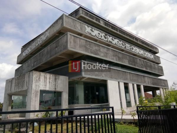Kantor + Gudang di Jl. By Pass Ngurah Rai, Pesanggaran, IMB lengkap