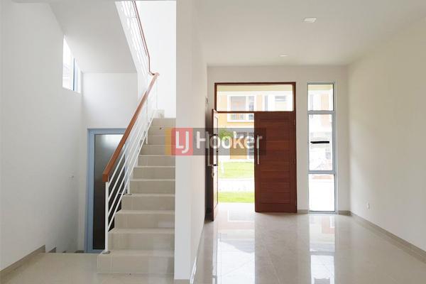 Rumah 2 Lantai Hadap Timur Di Taman Golf Residence 3