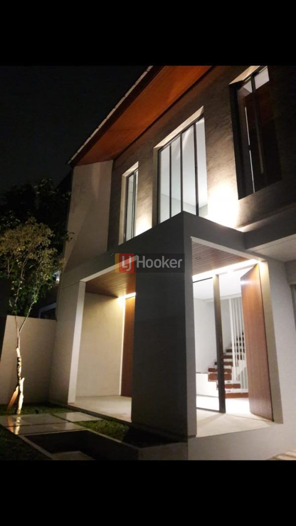 Jual rumah Cantik - MAsih Baru di Daerah cinere