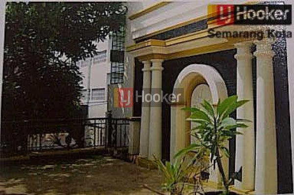 Rumah siap huni di tengah kota, jalan Anggrek