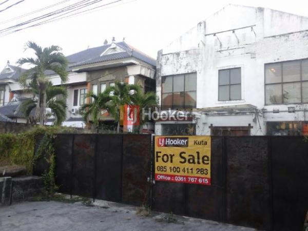Gedung menarik cocok untuk bisnis di kawasan Sunset Road - Kuta