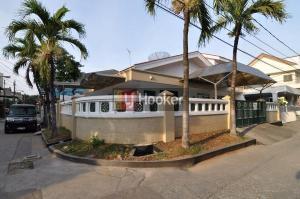 Rumah Sewa Gading Elok Timur
