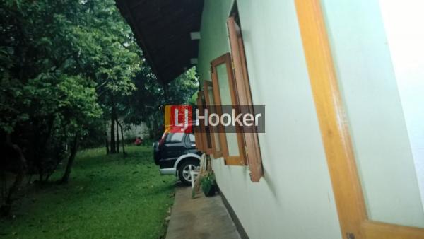 Rumah Asri Jalan Bungur Depok
