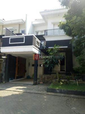 Rumah Mewah Raffles Hills Cibubur 2 1/2 Lantai