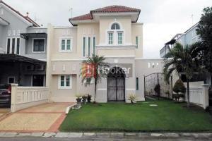 Rumah 2 Lantai Di Palm Beach
