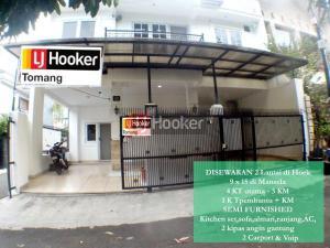 RUMAH Hook Cantik Siap Huni daerah Tomang, Jakarta Barat