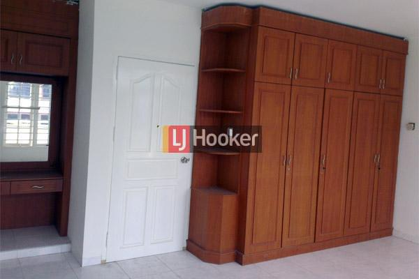 Rumah Hook 2 Lantai Di Orchid Park Batam.