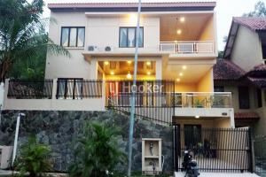 Rumah Mewah 2 Lantai Di Bukit Indah Sukajadi