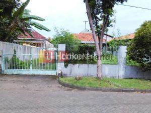 Rumah di Taman Ade Irma Suryani Semarang