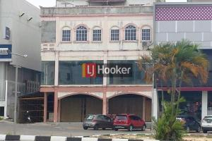 Ruko Hook 3 Lantai Hadap Jalan Utama Simpang BNI Sei Panas