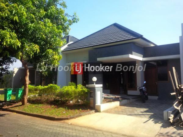 Rumah baru siap huni di Graha Estetika Semarang
