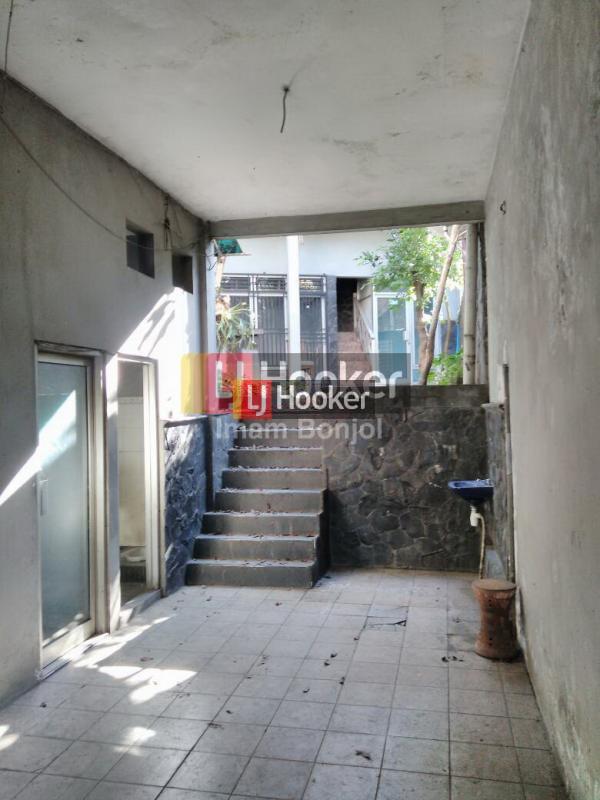 Jual Bangunan Siap Untuk Kantor, Pinggir Jalan Raya, Strategis di Ungaran
