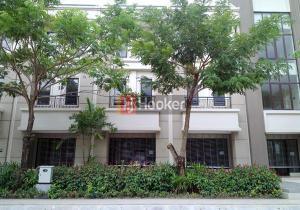 Ruko Baru 3 Lantai Di Jalan Utama Orchard Park .