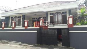 Rumah di jl.Raya Salabintana