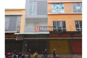 Ruko 3 Lantai Di De Orange Batam Centre .