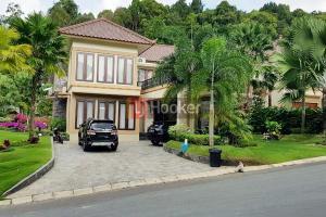 Rumah Mewah 2 Lantai Ada Swimming Pool Di Villa Panbil