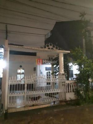 Rumah di Gading Griya Lokasi Dekat Gerbang Utama Rumah Luma Siap Renov