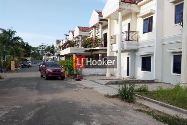 Rumah Hook 2 Lantai Di Victory Residence Batam Centre