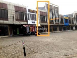 Ruko 2 Lantai, pinggir jalan utama di Jl. Boulevard Raya Grand Depok City , harga menarik.