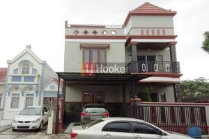 Rumah Mewah 3 Lantai Full Renovasi Di Taman Dutamas