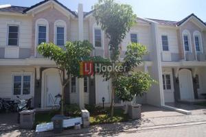 Disewakan Rumah di Vanya Park Cluster Azura BSD City Tangerang