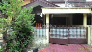 Disewakan Rumah Asri Pondok Kelapa Jakarta Timur
