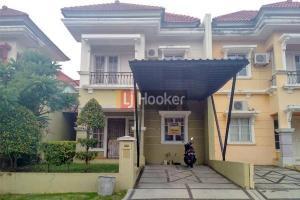 Rumah Cluster 2 Lantai Di Taman Dutamas.