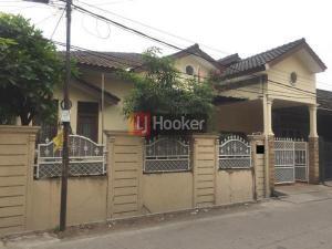 RUMAH HOOK PONDOK BAMBU JAKARTA TIMUR