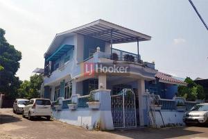Rumah Hook 2 Lantai Di Tiban Indah.