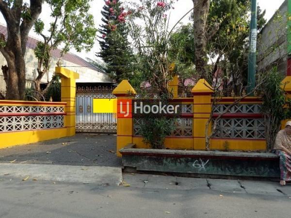 Rumah luas di kawasan Pasar Rebo Jakarta timur