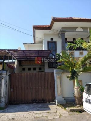 Rumah 2 Lantai, Dekat ke Jl. Gatot Subroto Timur