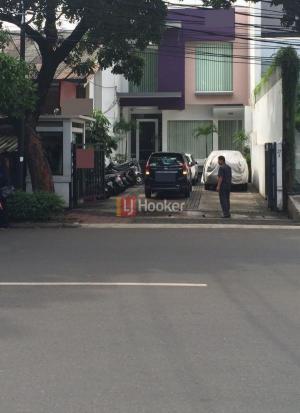 Sewa Ruko Pinggir Jalan raya Strategis di Kebayoran Baru Jakarta