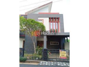 Rumah siap pakai 2 lantai di Potrosari Semarang